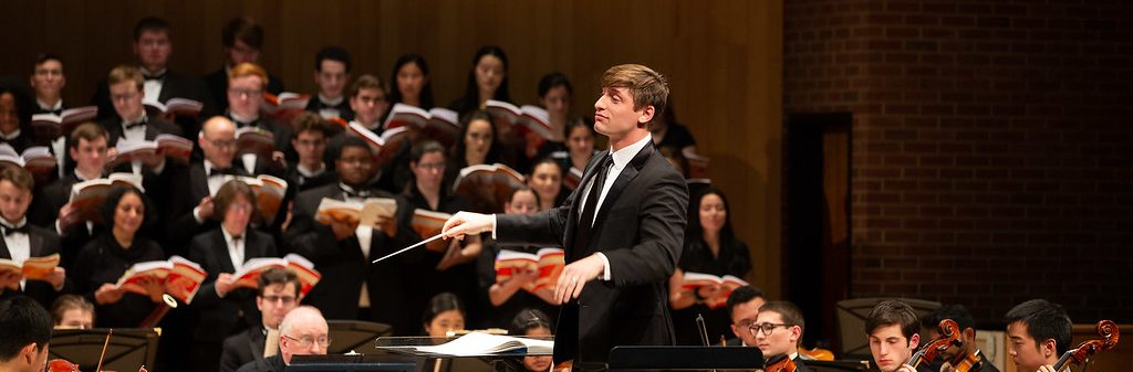 Joshua Easts conducts Messiah